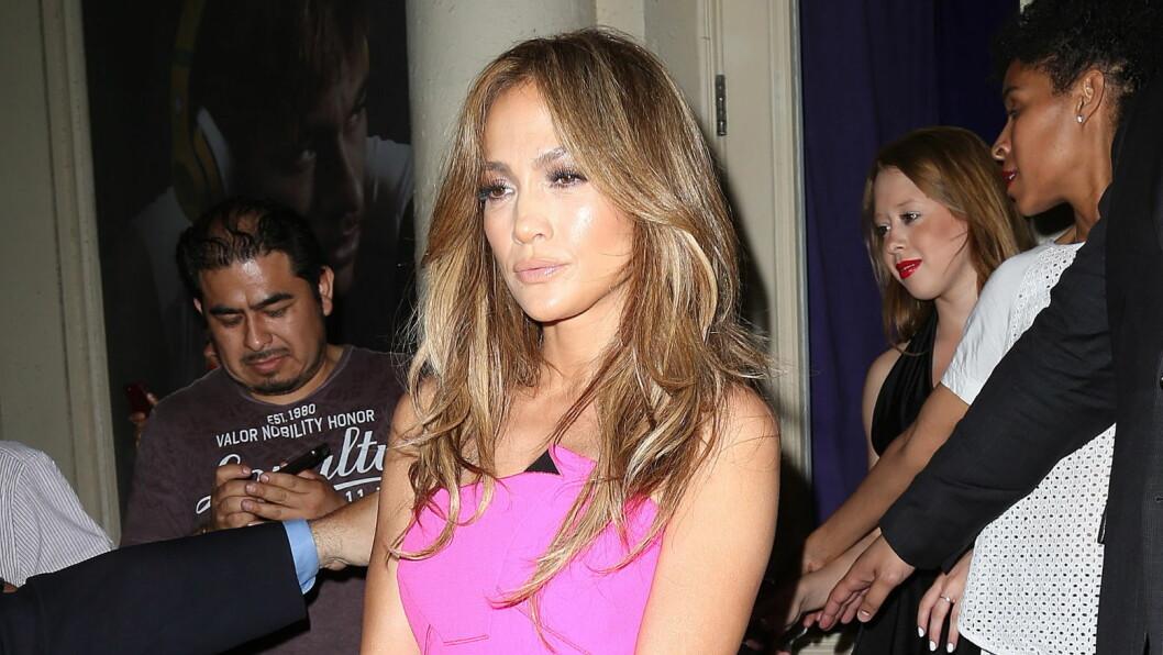 LEDIG PÅ MARKEDET: Jennifer Lopez leter fremdeles etter den store kjærligheten, men bruker tiden som singel nå på å jobbe med seg selv først. Foto: REX/Broadimage/All Over Press