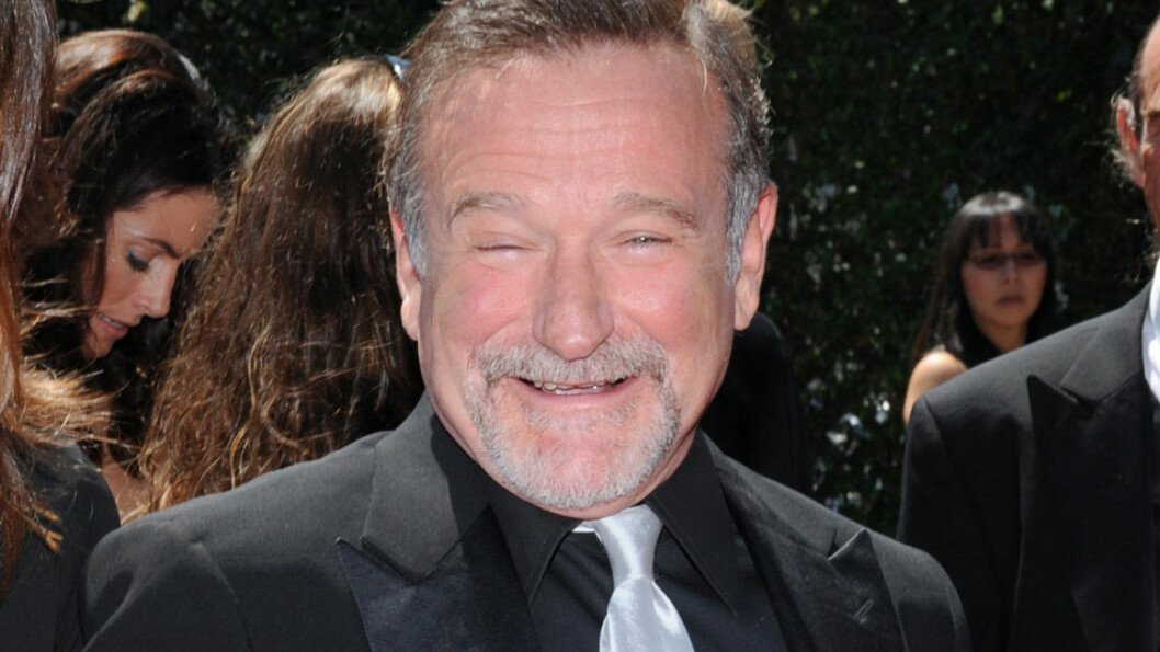 VAR SYK: Ifølge RadarOnline viser obduksjonsrapporten til Robin Williams at han trolig led av tidlig demens som kan assosieres med Parkinsons sykdom - som han også led av. Her er han avbildet på Creative Arts Emmy Awards i 2010.  Foto: Stella Pictures