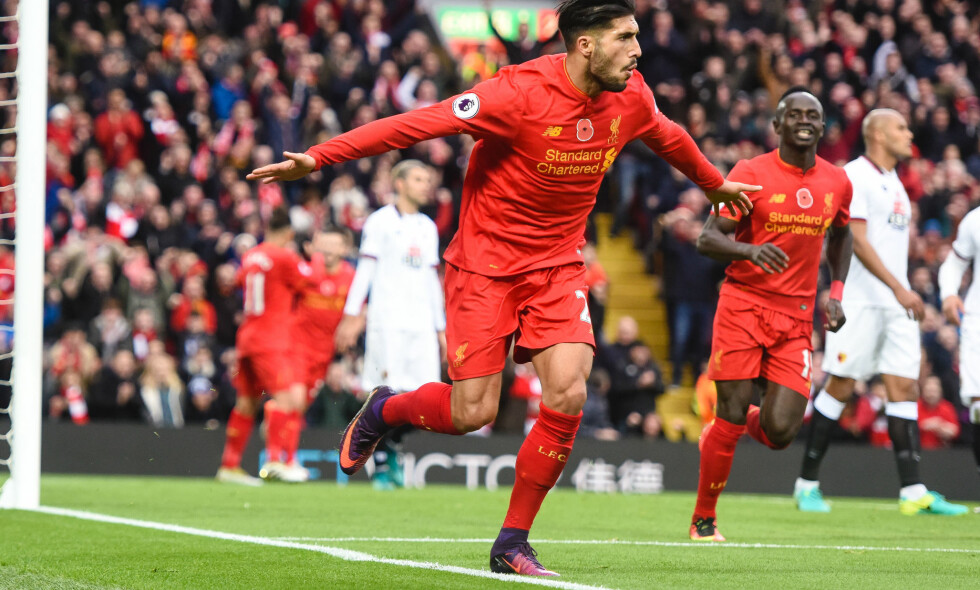 FLYR HØYT: Emre Can feirer Liverpools tedje scoring for dagen. De røde topper Premier League inn i landslagspausen. Foto: Mercury Press Media Limite/REX/Shutterstock/NTB Scanpix