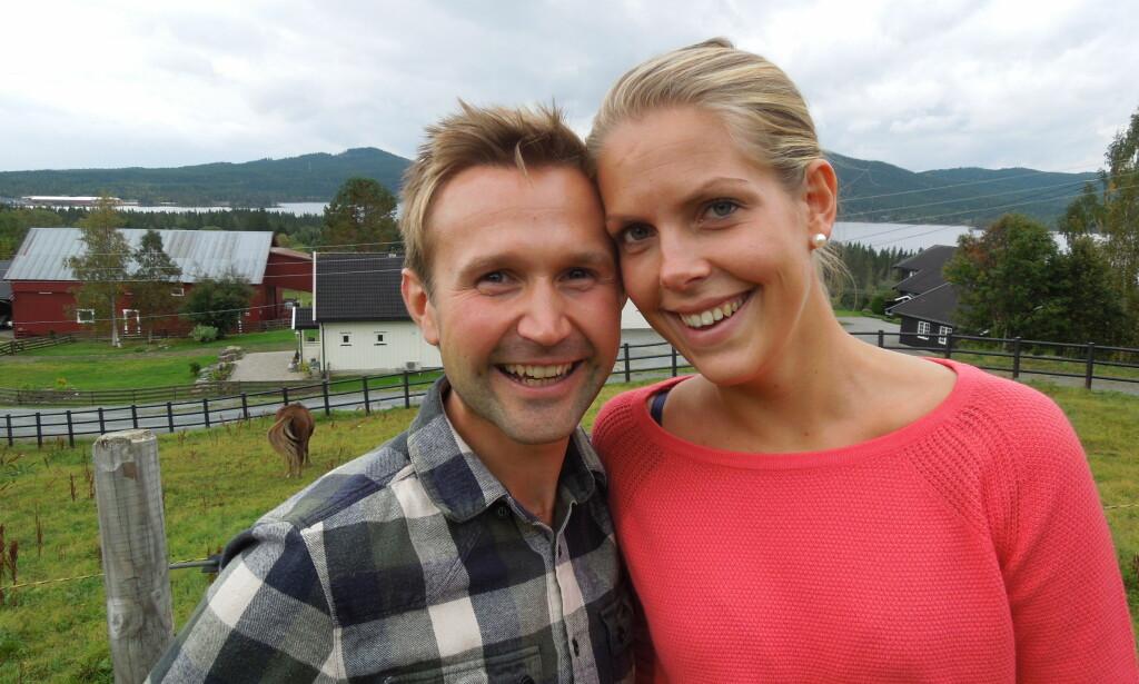 God kjemi: Øyvind Leine Thune og Elise Edvardsen møttes på «Jakten på kjærligheten» i 2013. Dagbladet utfordret de til å ta en IQ-test for å sjekke forskjellene. En av de fikk 15 poeng mer enn den andre. Foto: TV 2