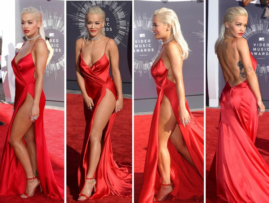 NAKEN UNDER: Da Ora viste seg på MTV VMA i august, hadde hun ikke undertøy under kjolen. Foto: All Over Press