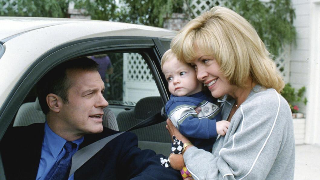 """FÅR STØTTE: Fra 1996 til 2007 spilte Stephen Collins og Catherine Hicks ekteparet Eric og Annie Camden i i TV-serien «7th Heaven». Hun kaller sin tidligere kollega """"en bra mann"""". Foto: Stella Pictures"""