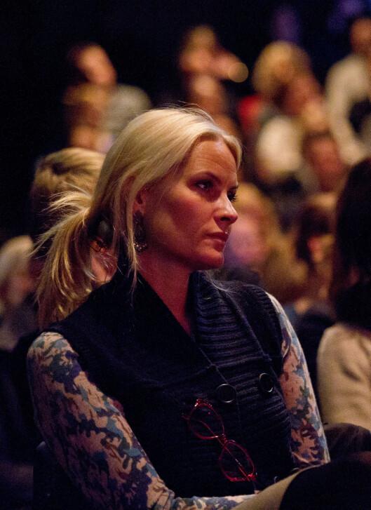 BETYDNINGSFULL: Karl Ove Knausgårds romaner har hatt stor, personlig betydning for kronprinsesse Mette-Marit. I 2011 var hun til stede på Litteraturhuset i Oslo, da Knausgård snakket om «Min kamp»-bøkene. Foto: Tor Gunnar Berland / Stella Pictures