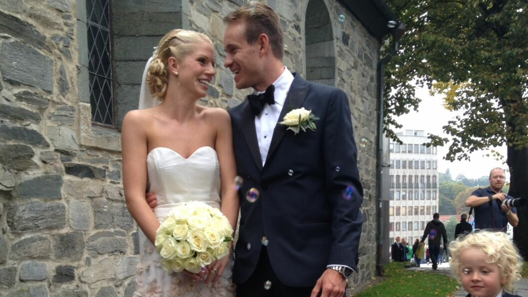 FLOTT PAR: Alexander og Maren ble mann og kone i Stavanger domkirke lørdag ettermiddag. Foto: Erlend Haugen