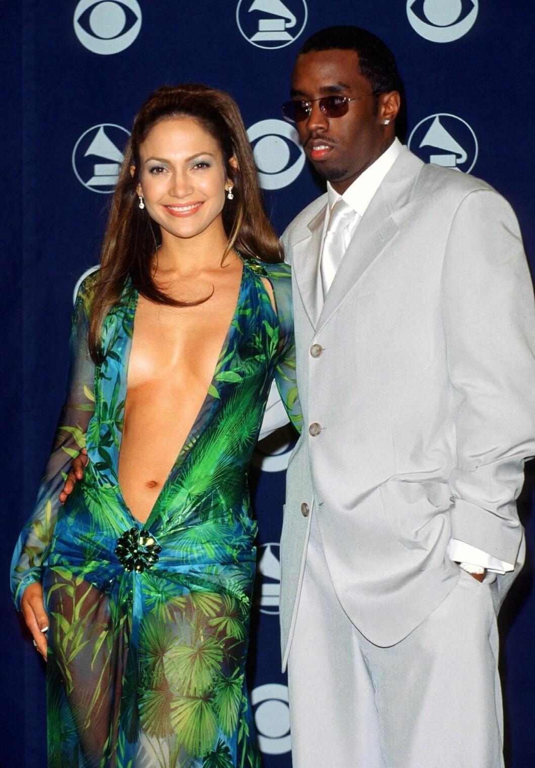 <strong>IKONISK:</strong> Diddy sier at J.Los rumpe vil bli husket gjennom historien. Den dristige Versace-kjolen sangstjernen var iført på Grammy Awards sammen med Diddy i år 2000, er i hvert fall blitt en del av motehistorien. Foto: Stella Pictures