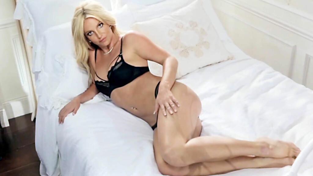 LANSERER UNDERTØY: Britney Spears lanserer sin egen undertøyskolleksjon. Derfor kommer hun til Norge fredag. Foto: All Over Press