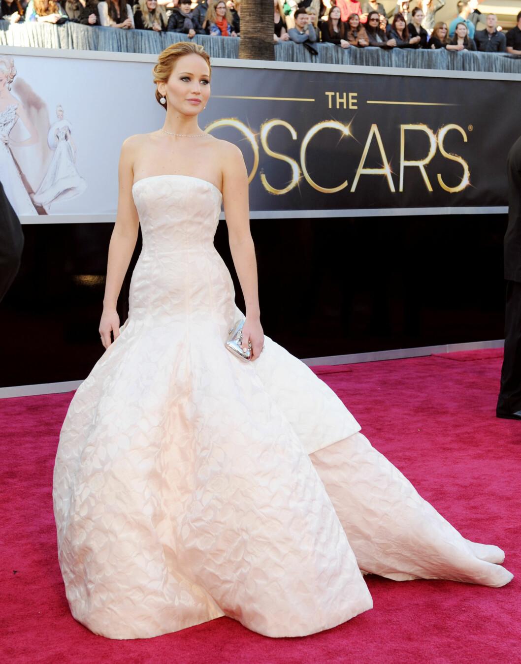 SKANDALE: Det ble nylig spredd en rekke private nakenbilder av Jennifer Lawrence. Stjernen er kun én av mange kvinner som for tiden opplever det samme. Foto: UPI