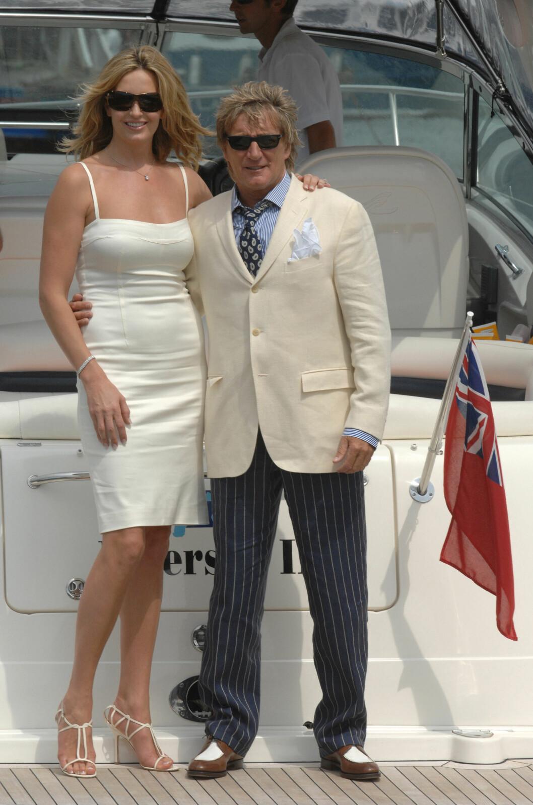 SA JA I ITALIA: Penny Lancaster og Rod Stewart. Bildet er tatt på bryllupsdagen. Foto: All Over