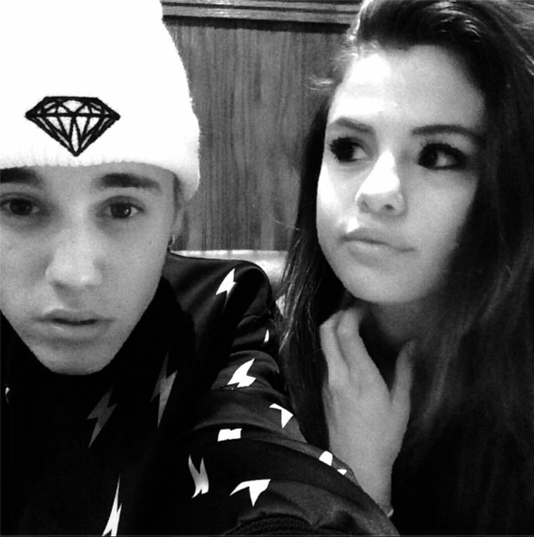 PÅ OG AV: Justin Bieber har flere gangen benyttet sosiale medier til å hinte om statusen mellom ham og Selena. Dette bildet postet han på Instagram i slutten av august, da paret ferierte sammen i Canda. Foto: Stella Pictures