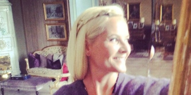 Her deler Mette-Marit sin første selfie på Instagram
