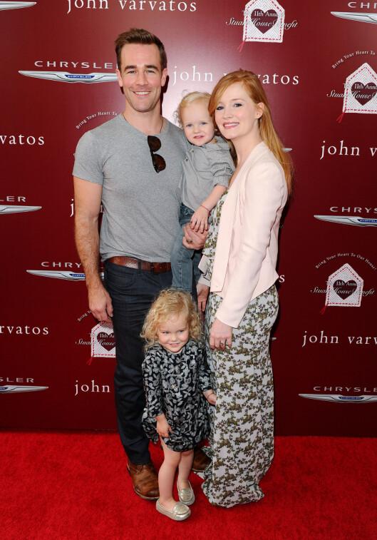 LYKKELIG GIFT: James Van Der Beek med kona Kimberly, sønnen Joshua og datteren Olivia. I tillegg har de to datteren Annabel sammen. Foto: All Over Press