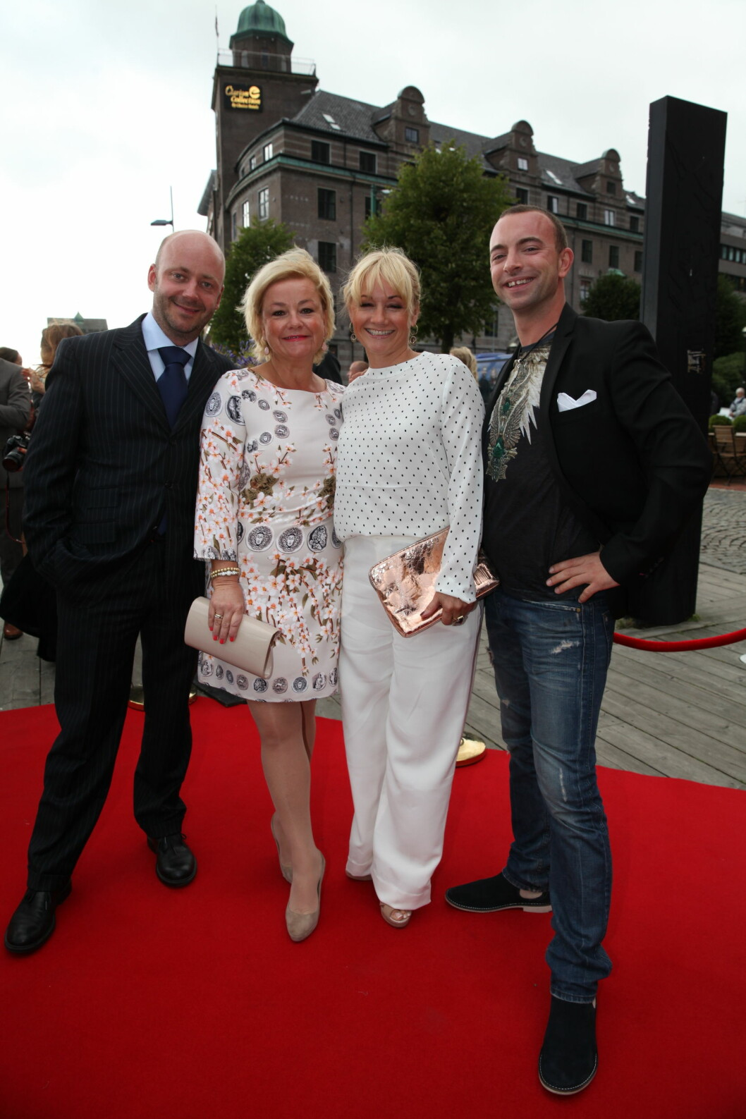 TV 2s HØSTLANSERING: «Hotel Cæsar»-gjengen er klare for en ny sesong. Foto: Stella Pictures