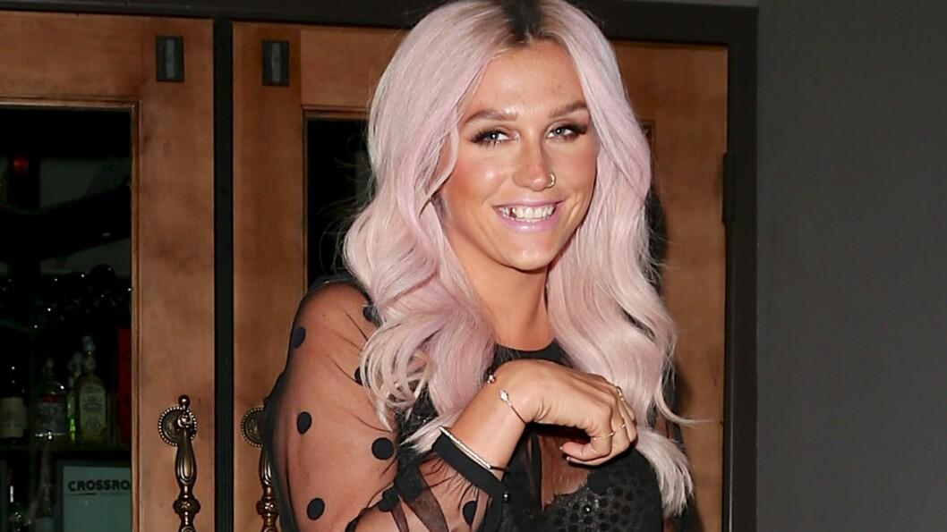 MODIG: - Jeg følte jeg måtte skaffe hjelp. Ikke bare for meg selv, men også for fansen. Min største frykt i livet er å bli sett på som falsk, sier Kesha i et intervju med Teen Vogue.  Foto: Raffi/NPG.com/All Over Press