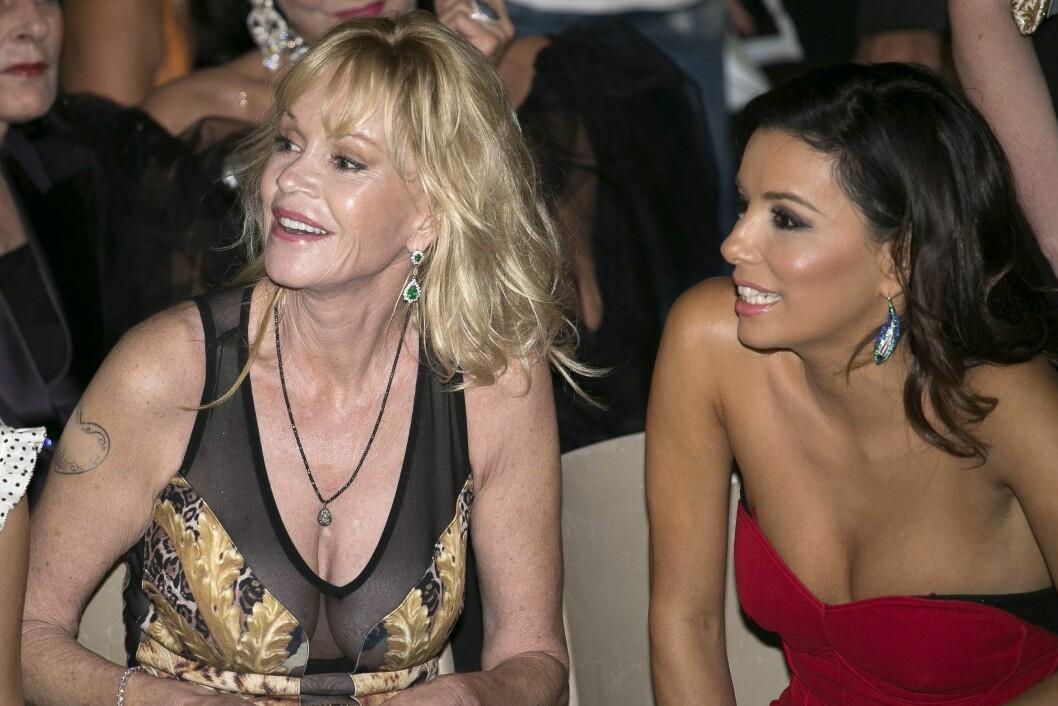 <strong>FANT TONEN:</strong> Melanie så ut til å kose seg med skuespiller-kollega Eva Longoria ved sin side. Foto: REX/Manuel Romano/All Over Press