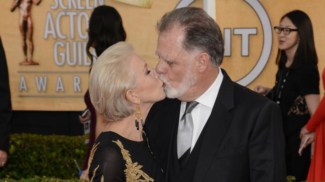 GIFTET SEG AV ØKONOMISKE GRUNNER: Helen Mirren sier hun bestemte seg for å gifte seg med kjæresten Taylor Hackford, da hun innså hvor mye penger de kunne spare. Foto: REX/Rob Latour/All Over Press