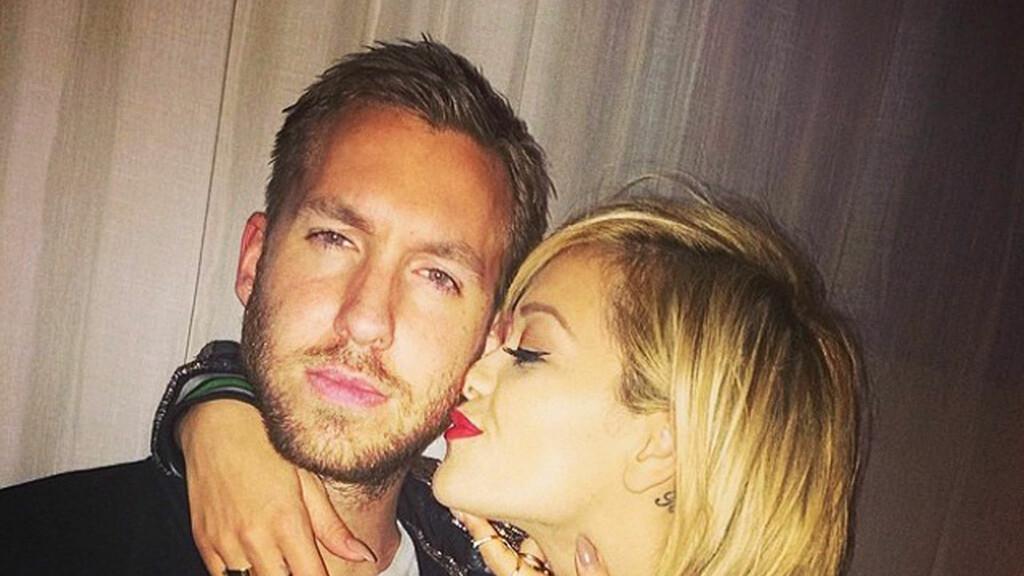LYKKEN BRAST: Rita Ora har vært sammen med DJen Calvin Harris i litt over ett år, men nå er artisten singel igjen.  Foto: Stella Pictures