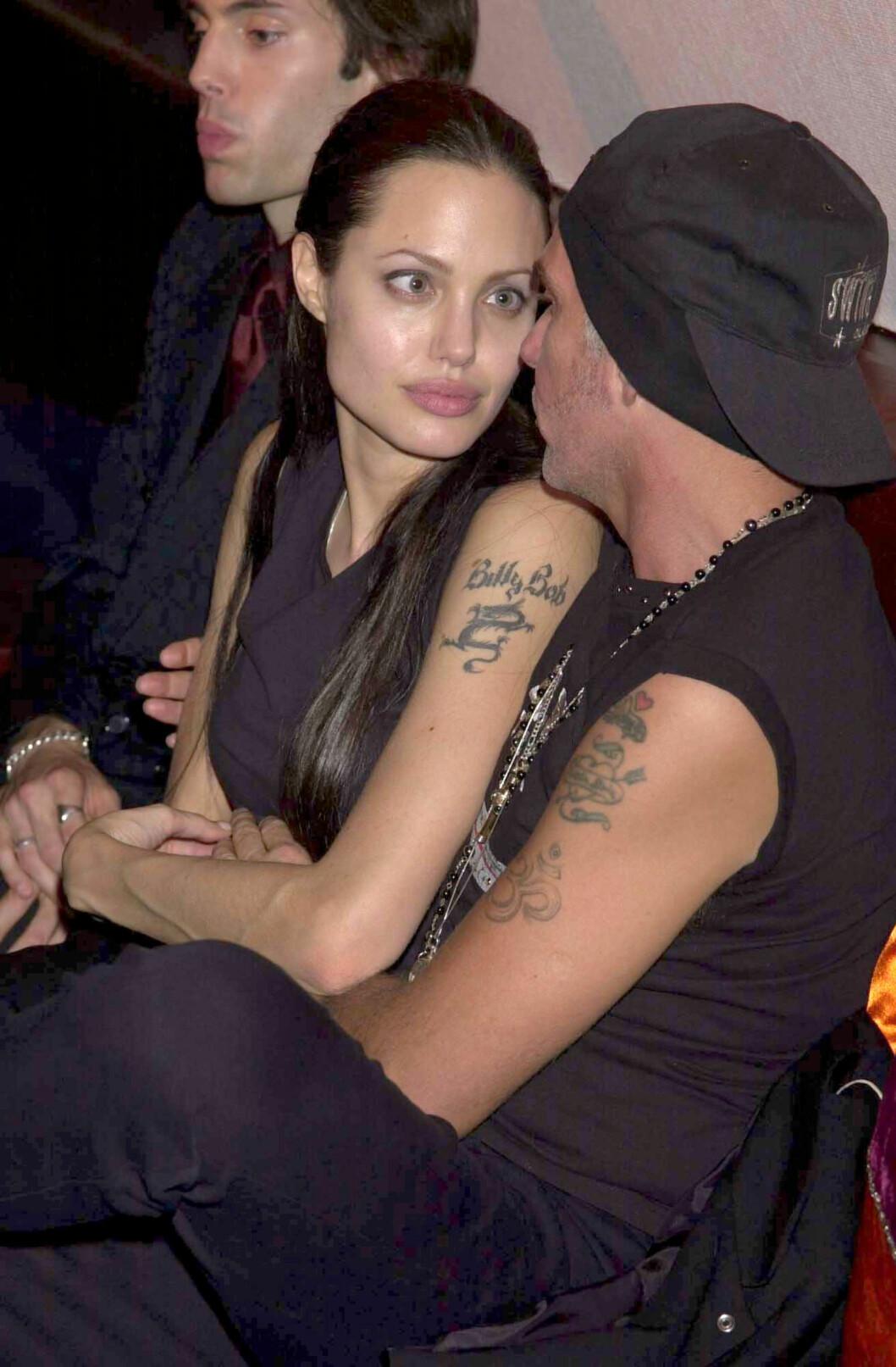 <strong>FJERNET NAVNET:</strong> Angelina Jolie har fjernet navnet til sin andre ektemann Billy Bob Thornton. De var gift fra 2000 til 2003.  Foto: REX/Richard Young/All Over Press