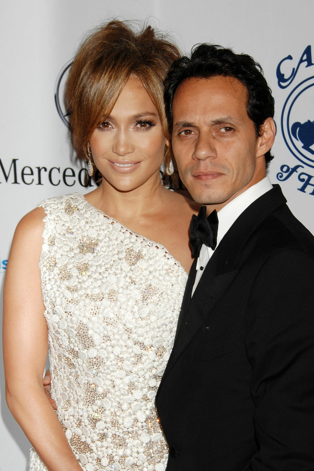 FIKK BARN: Jennifer fikk to barn med Marc Anthony. Bruddet var et faktum i 2012, men skilsmissen er fortsatt ikke klar.