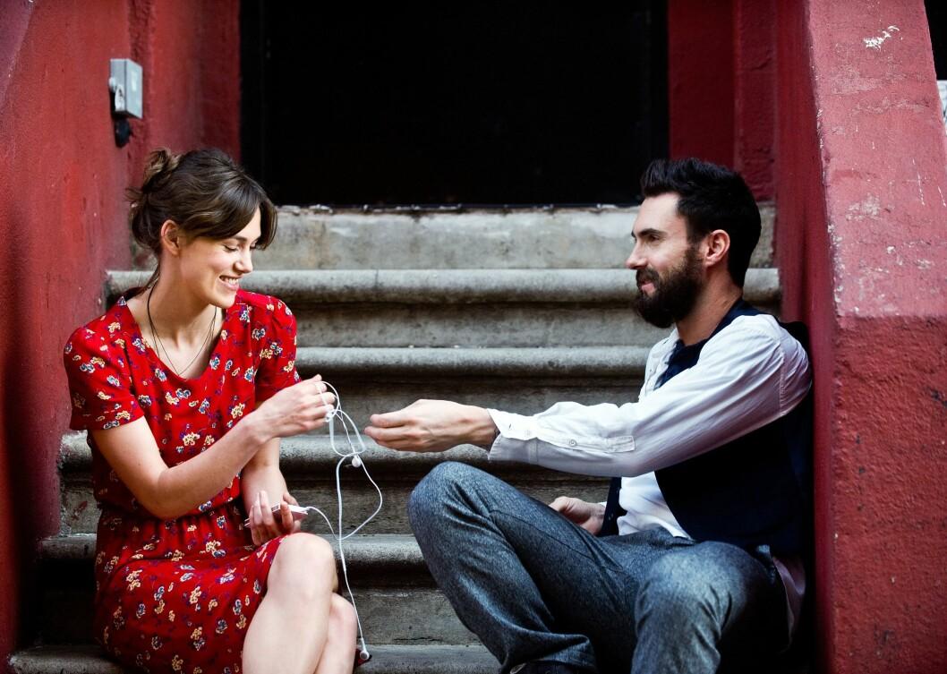 Snart er Keira aktuell i filmen «Begin Again». Her spiller hun mot blant annet Adam Levine (bildet) og Mark Ruffalo. Foto: All Over Press