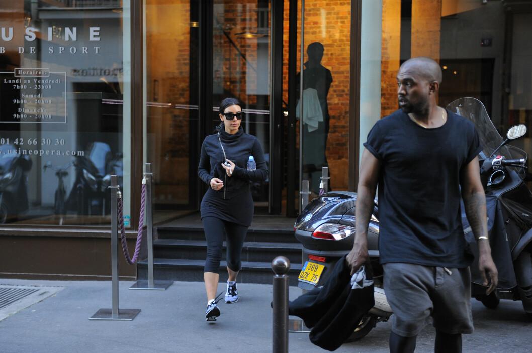 TRENINGSØKT: Kim og Kanye er opptatt av å holde seg i form, og det er også blitt tid til en treningsøkt det på eksklusive treningssenteret L'Usine mandag morgen. Foto: TGB / Splash News/ All Over Press