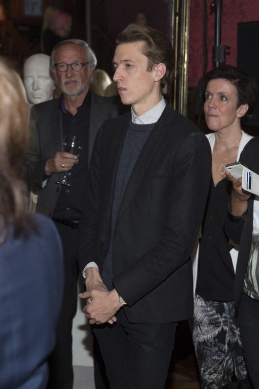 <strong>STØTTER KJÆRESTEN:</strong> Thomas Aslaksen var med da Linnea Dale opptrådte på MagMaLous motevisning tirsdag kveld. Foto: Espen Solli/Seoghør