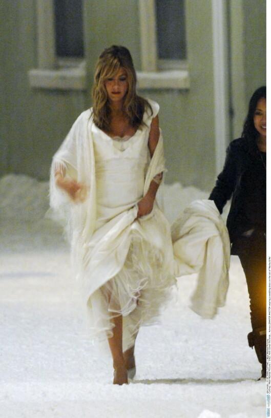 BRUD PÅ FILM: Fansen håper at de snart får se skuespilleren stå hvit brud på ordentlig. Her fra filmen «Marely & Me» i 2008.   Foto: All Over Press