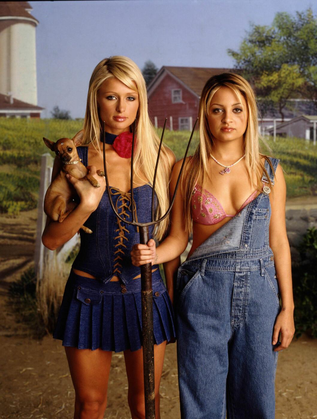FØR: Slik så Nicole ut da hun ble kjent gjennom serien «The Simple Life» med venninnen Paris Hilton i 2003.  Foto: TV3