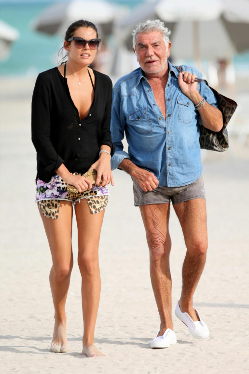 ALDERSFORSKJELL: Moteskaper Roberto Cavalli med kjæresten Lina Nilson på Miami Beach i Florida. Hun er i 20-årene. Han er 73! Foto: All Over