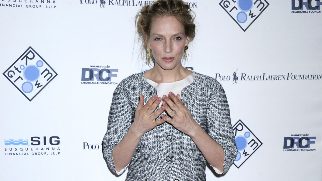 INGEN DIAMANT PÅ FINGEREN: På en vårfest i New York 8. april viste Uma Thurman seg uten forlovelsesringen fra Arpad Busson. Kanskje var dette et klart tegn på at forholdet var over?  Foto: action press/All Over Press