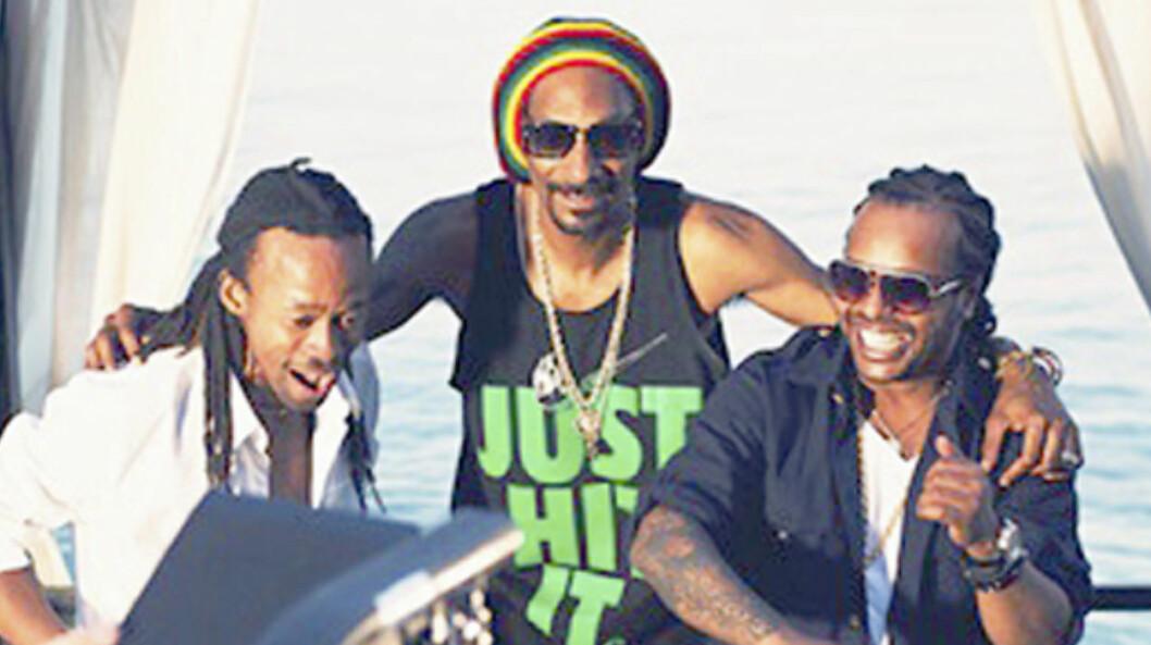<strong>STORE STJERNER:</strong> I fjor sommer spilte Madcon inn låten «Is You With Me» sammen med Snoop Dogg. Her er de på musikkvideoinnspilling i Kroatia.  Foto: Friendly Films/ Olav Stubberud