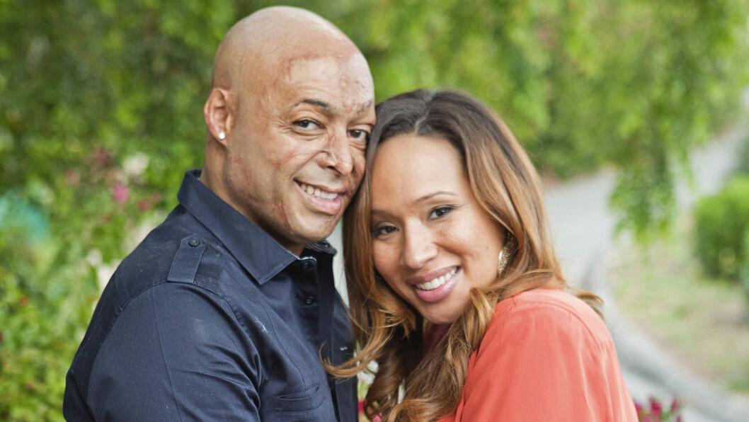 FIKK DATTER: Martinez og kjæresten Diana Gonzalez-Jones jubler etter å ha fått en datter.