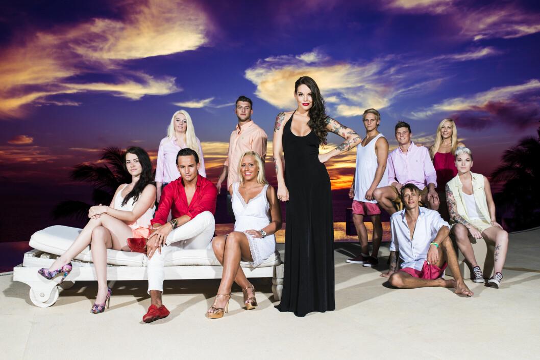 IKKE TILFELDIG: Kristiansen (til venstre) er overbevist om at det ikke var tilfeldig at hun valgte å melde seg av det planlagte Utøya-besøket. I år har hun gjort seg bemerket i TV3-serien Paradise Hotel. Foto: Anton Soggiu/TV3