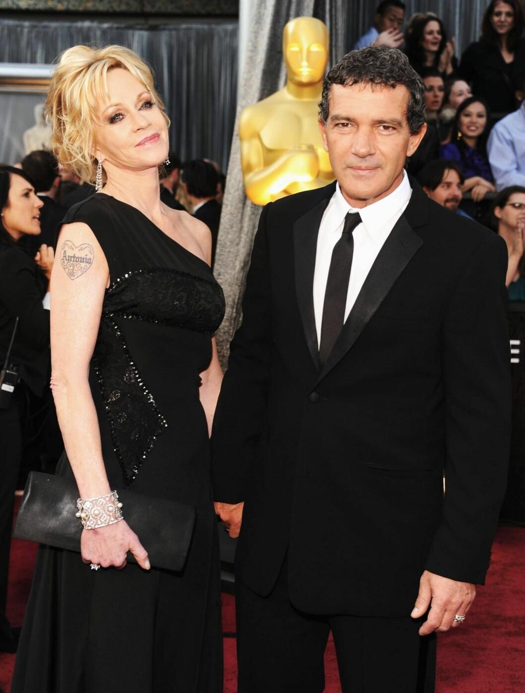 MATCHET: Melanie Griffith og Antonio Banderas kom begge i sorte antrekk.  Foto: All Over Press
