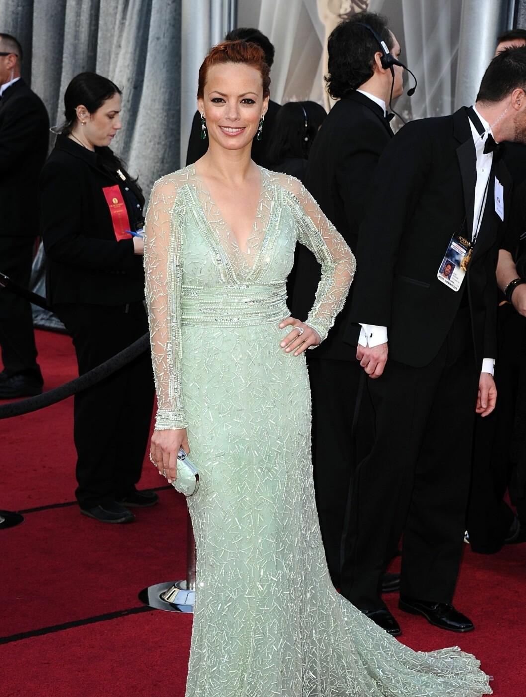 MINTGRØNN: Bérénice Bejo var vakker i sin mintgrønne kjole fra Elie Saab. Bejo var mest opptatt av at ektemannen skulle like antrekket.  Foto: Stella Pictures