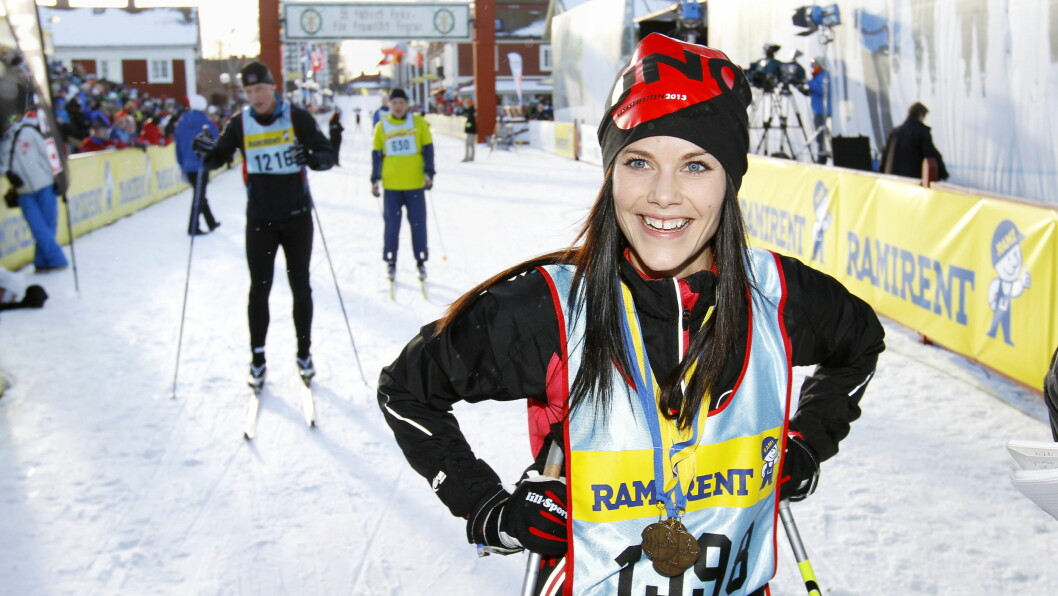 SPORTY: Prins Carl Philips kjæreste Sofia Hellqvist er svært sporty, og holder seg i form med blant annet ski. Her går hun Stafettvasan i fjor vinter.  Foto: All Over Press