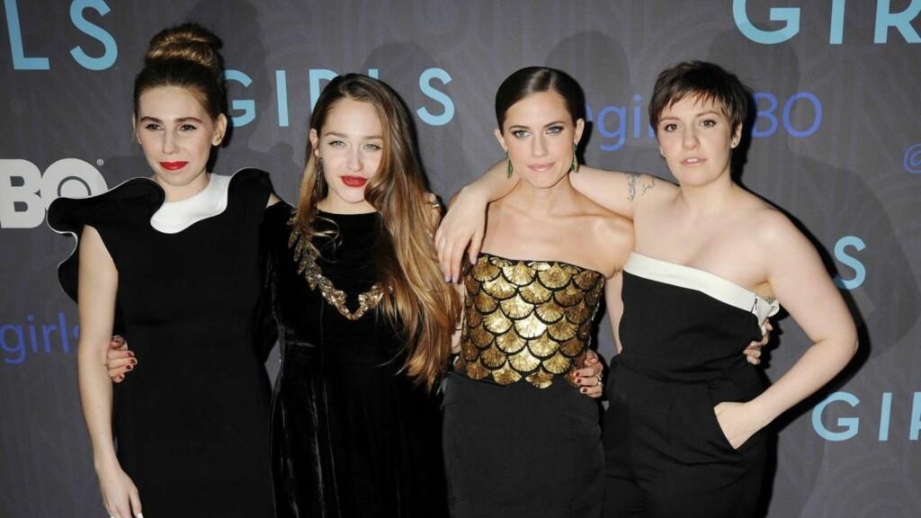 """JENTENE: Zosia Mamet, Jemima Kirke, Allison Williams og Lena Dunham  spiller de fire hovedrollene i HBO-serien """"Girls"""". Her på New York-premieren til sesong 2. Foto: All Over Press"""
