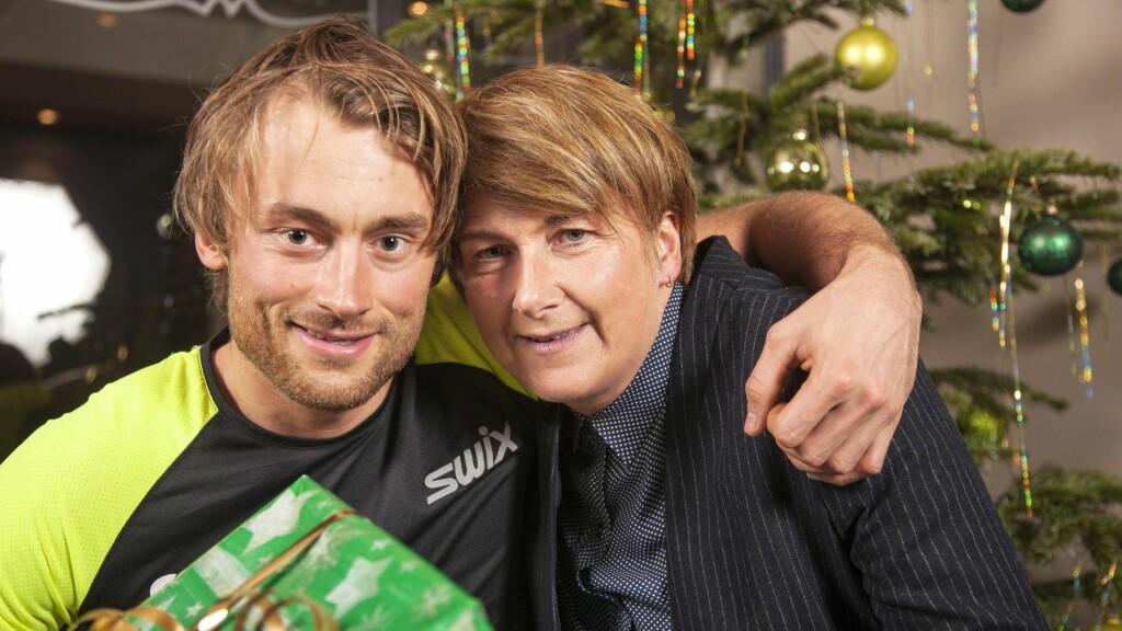 NÆRT FORHOLD: Det var godt for Petter Northug å få trøst av mamma May etter den mislykkede OL-innsatsen. (Dette bildet er tatt i en annen anledning).