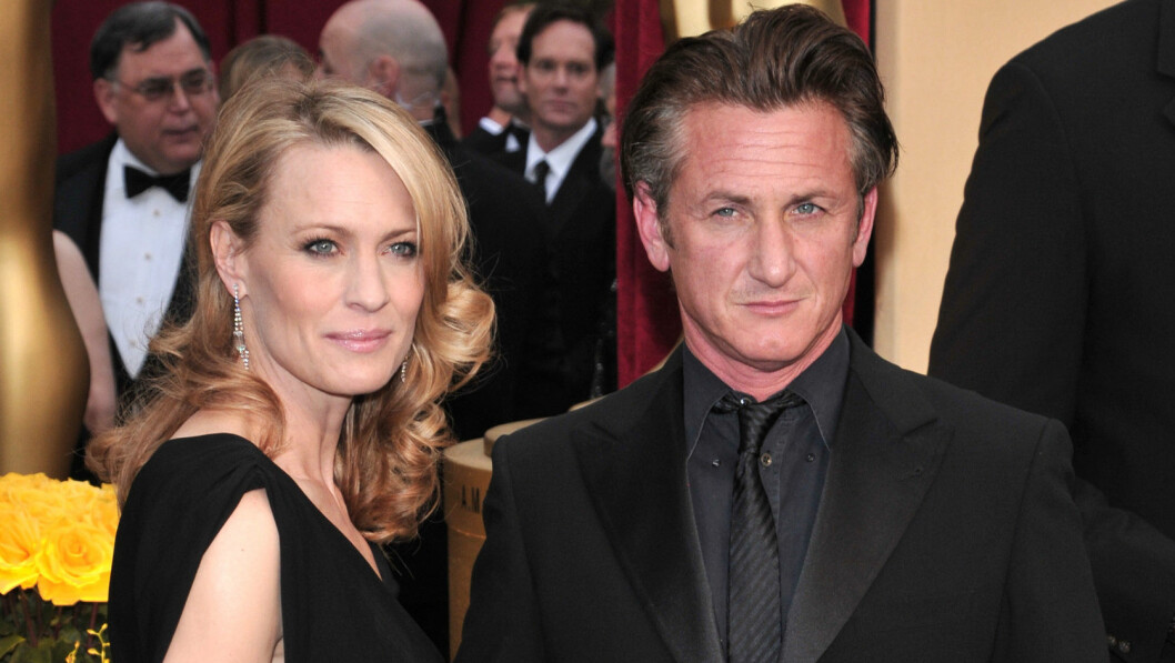 EKSMANN: Robin Wright var tidligere gift med skuespiller Sean Penn. Her fra Oscar-utdelingen i 2009. Paret gjorde det slutt i 2010. Foto: REX/Stewart Cook/All Over Press
