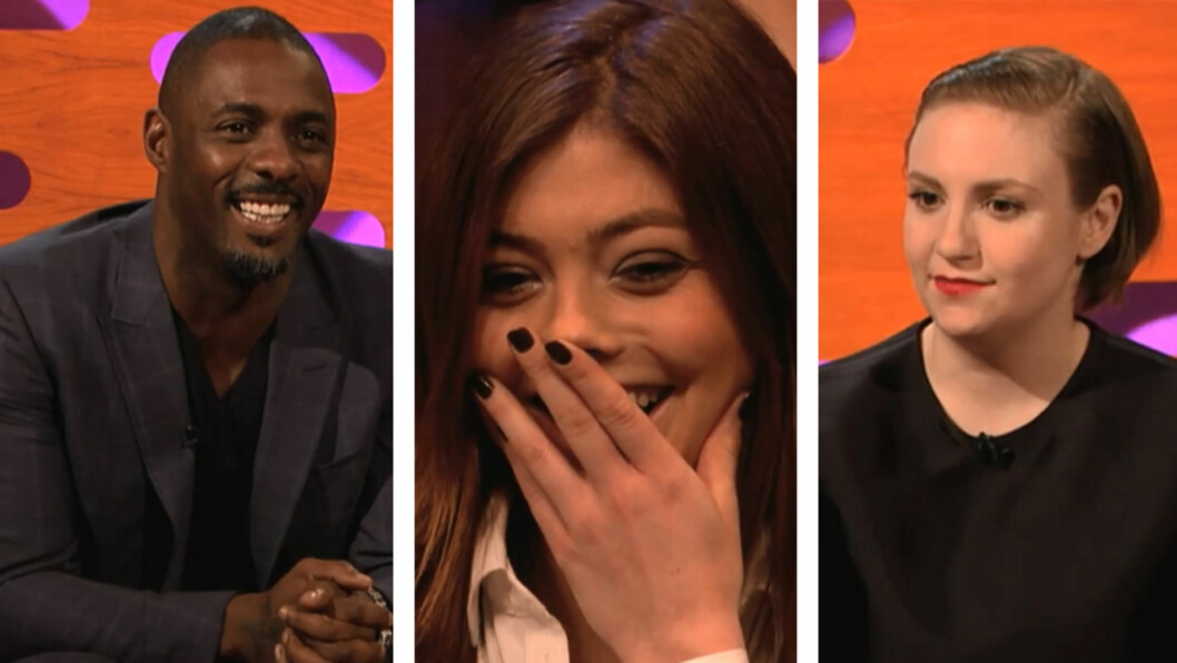 FIKK HJELP: Hollywood-stjernene Idris Elba (.t.v) og Lena Dunham (t.h.) hjalp norske Thea med å svare en mobil-sjekker på det britiske TV-programmet «The Graham Norton Show» Foto: BBC