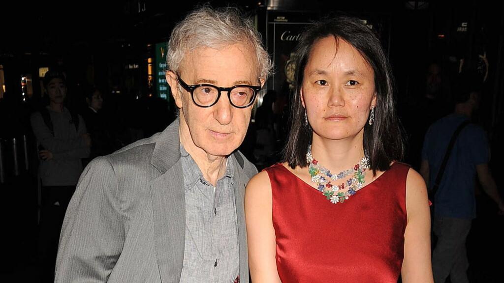 INGEN HEDERSMANN:  Verken ekssamboer eller sønnen unnet Woody Allen hedersprisen under Golden Globes i natt. Hovedpersonen selv var ikke tilstede. Her sammen med Soon-Yi Previn, adoptivdatteren som han giftet seg med i 1997. Foto: All Over