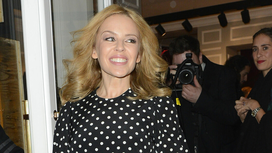 ØNSKER SEG BARN: Og nå vurderer Kylie Minogue å adoptere. Foto: Splash News/ All Over Press