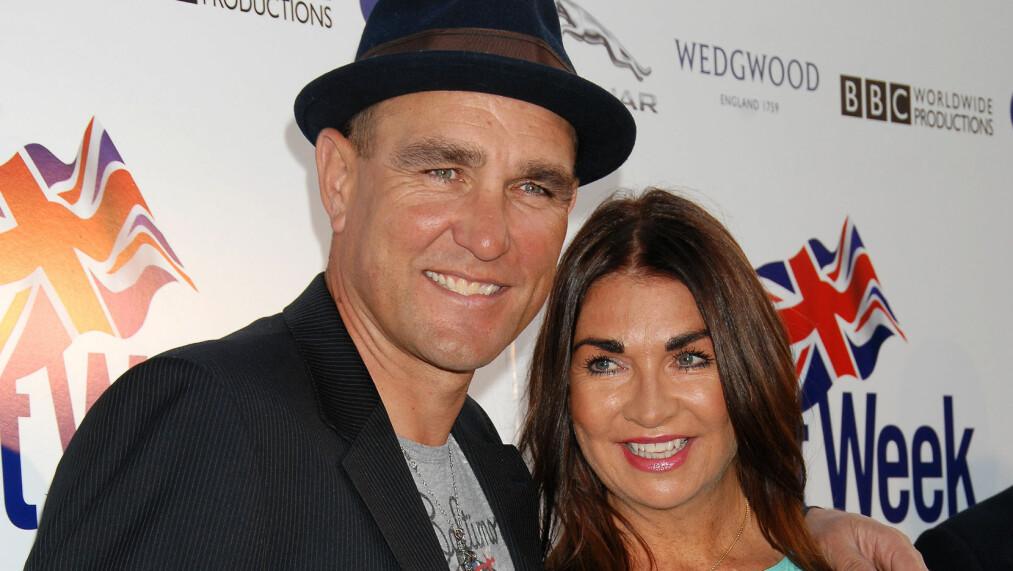 ALVORLIG SYKE: Hollywood-stjerne Vinnie Jones og hans kone Tanya er begge blitt rammet av aggressiv hudkreft. Jones har gjennomgått hele tre operasjoner siden februar. Her er paret avbildet sammen på BritWeek Launch-arrangementet i L.A. i våres.  Foto: Stella Pictures
