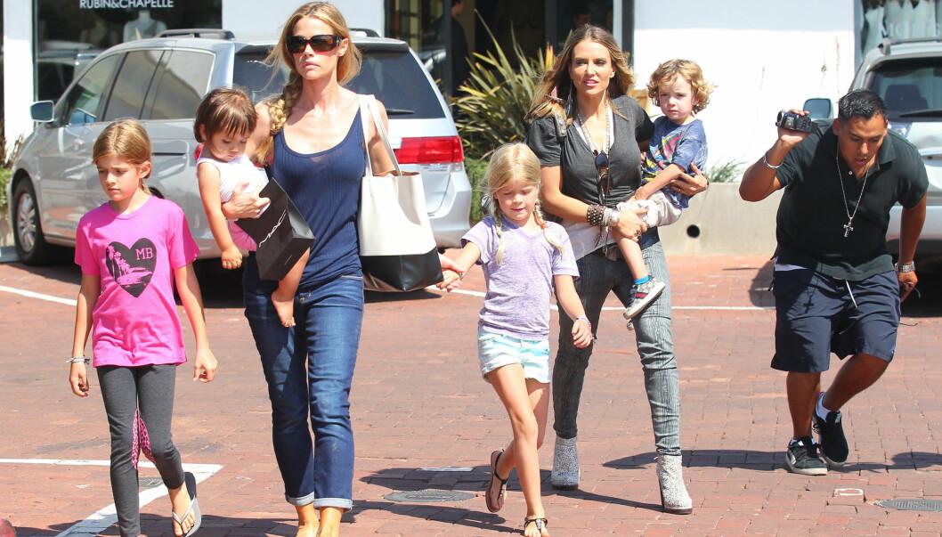 GOD MOR: Ifølge Brooke Mueller er Denise Richards en god mamma, og hun ønsker derfor at hun og Denise skal dele omsorgsretten for tvillingene. Begge to har vært gift med skuespiller Charlie Sheen. Foto: revolutionpix