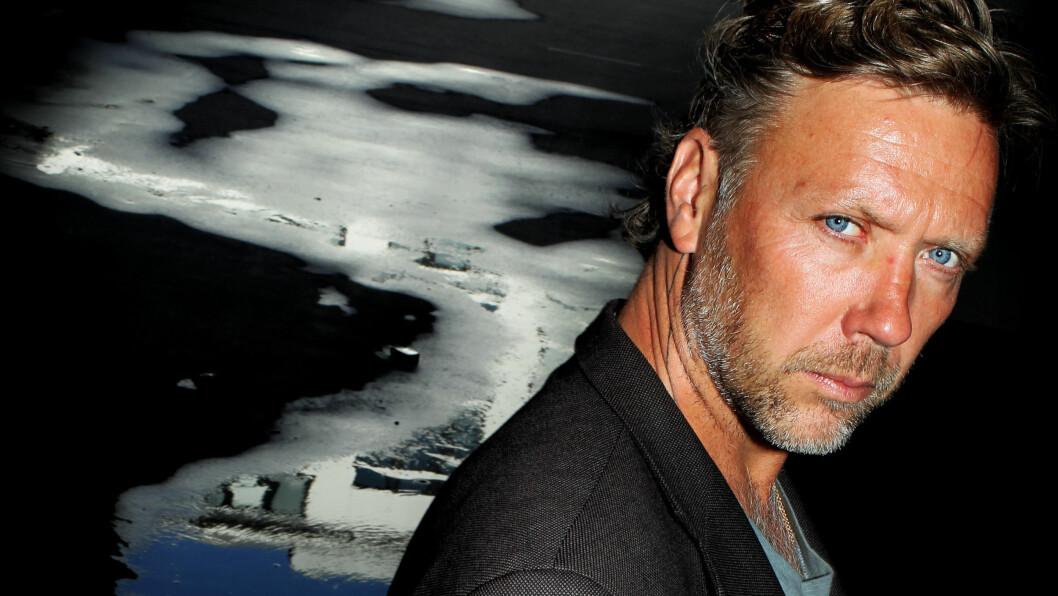 ÅPENHJERTIG: Den svenske skuespilleren Mikael Persbrandt forteller til det svenske magasinet VI at han har fått diagnosen bipolar, men at han ikke tar medisiner. Foto: Stella Pictures