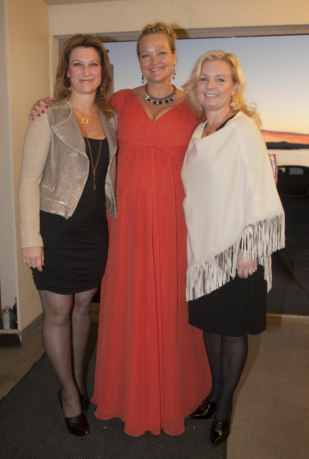 """Raushet: Kathrine Aspaas inviterte til """"Raushetens tid"""". Her sammen med to av gjestene, prinsesse Märtha Louise og Elisabeth Nordeng. Foto: Erlend Haugen"""