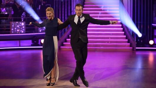 SEXY DANS: Guri Solberg klarte ikke å se sexy inn i kamera og synes dansen med Carsten Skjelbreid ble kjempeflau.  Foto: Fame Flynet