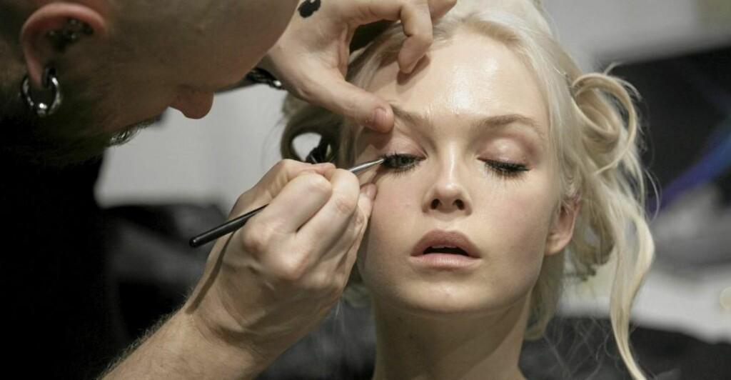 SMINKETIPS: Internasjonale makeupartister deler sine beste tips og råd. Foto: Stella