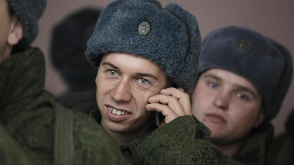 RUSSISKE SOLDATER: Russerne skal nå kjempe i Afghanistan. Foto: REUTERS/Eduard Kornienko/Scanpix
