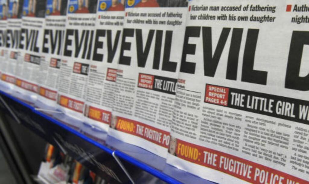 DEN ONDE FAREN:  Fritzl-saken skapte avsky verden over - her Melbourne-avisa Harald-Sun i salgsstativer i Australia. FOTO: AFP/SCANPIX.