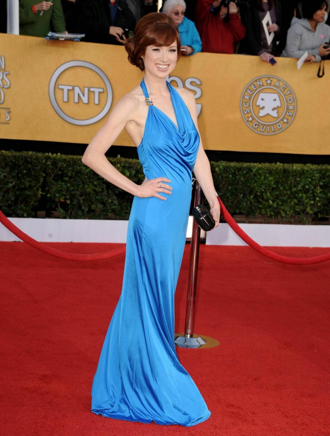<strong>ELLIE KEMPER:</strong> «The Office»-stjernen fikk mer oppmerksomhet for sin radmagre kropp, enn denne blå halterneckkjolen.   Foto: All Over Press